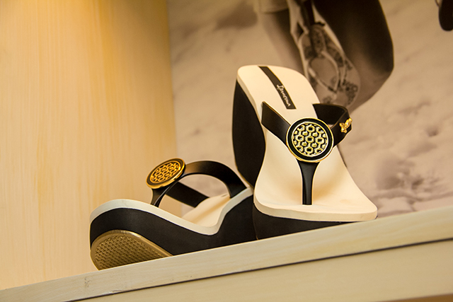 Ipanema Sandals at MBFW Swim 2014