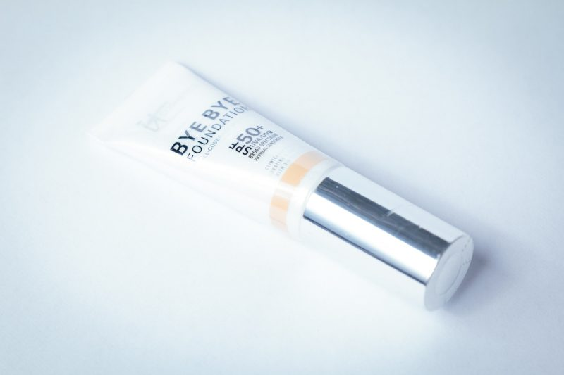 Product Review: IT Cosmetics Bye Bye Foundation